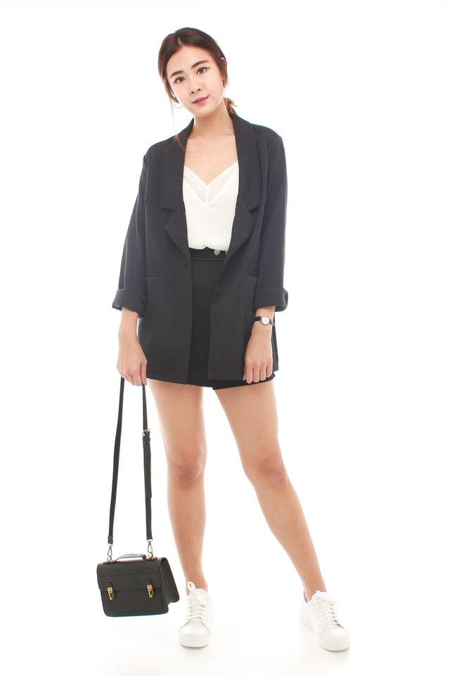 *BACK IN STOCK* Oversized Pocket Blazer in Black