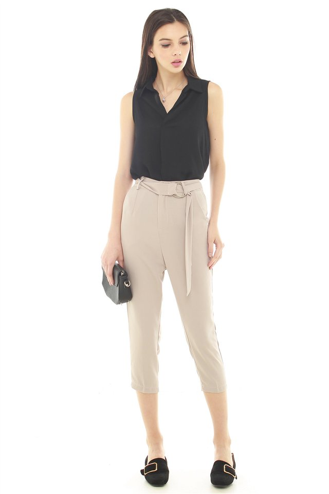 D-Ring Cropped Trousers in Cream