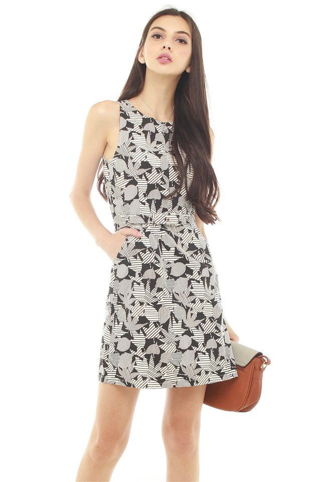 Tropic Floral Printed Belted Dress in Black