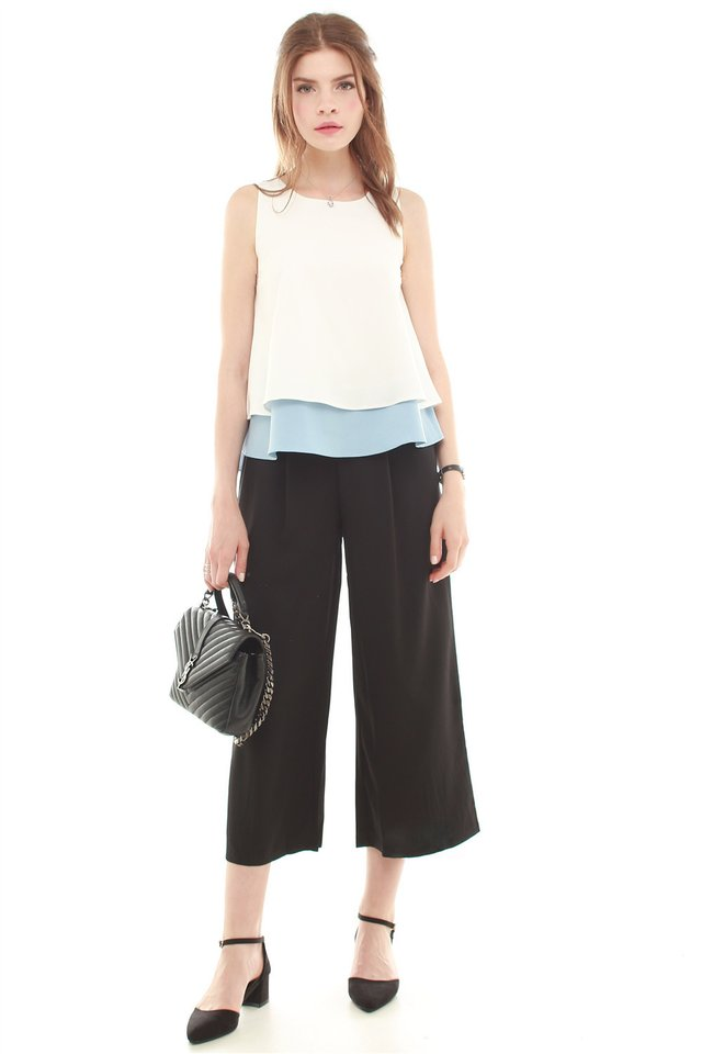 Colourblocking Layered Top in Ash Blue