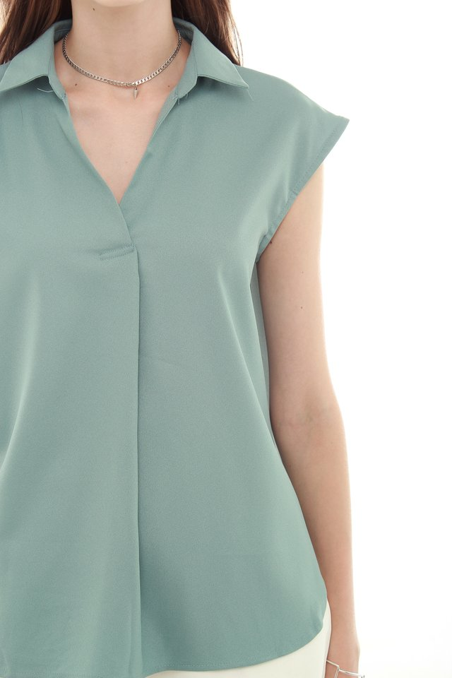 *BACK IN STOCK* ACW Basic Collared Blouse in Turquoise
