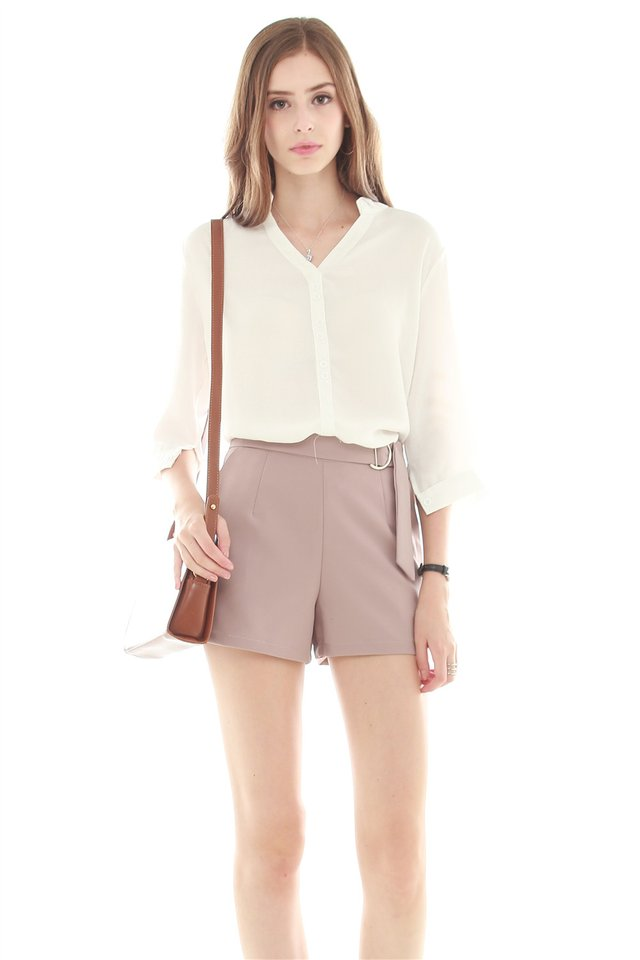 Buckle Basic Pocket Shorts in Dusty Pink