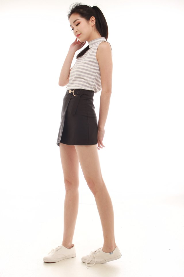 Ring Buckle Skorts in Black