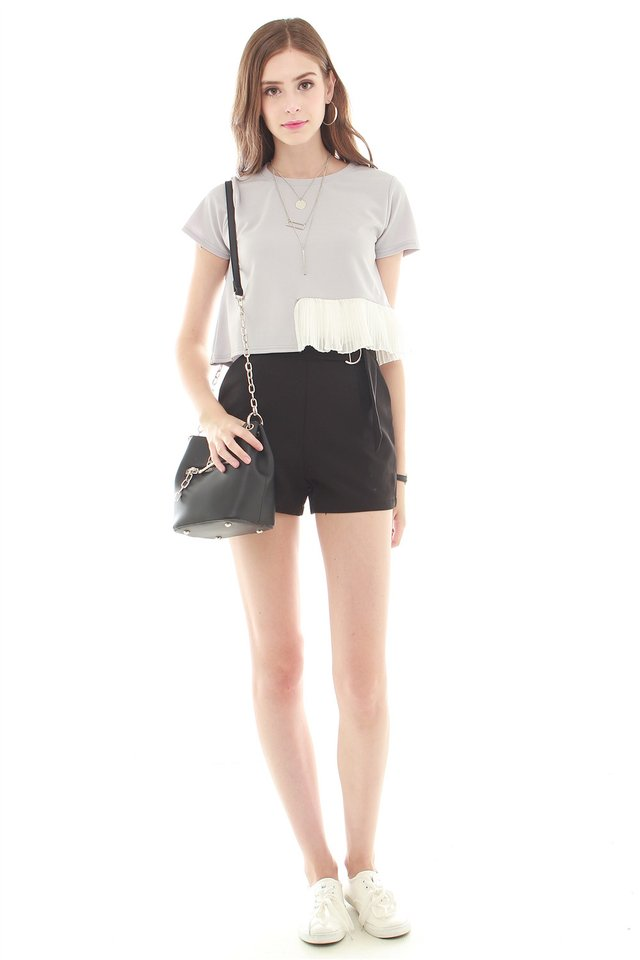Buckle Basic Pocket Shorts in Black