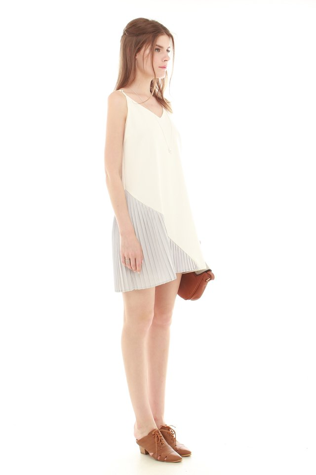 *BACK IN STOCK* Colourblock Pleated Slip Dress in White