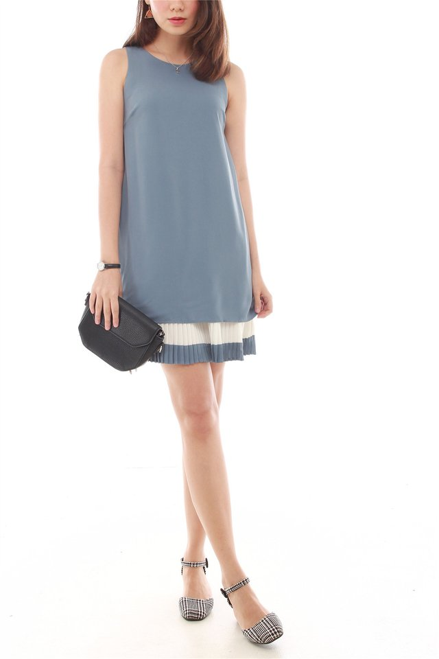 Double Pleat Colourblock Shift Dress in Ash Blue
