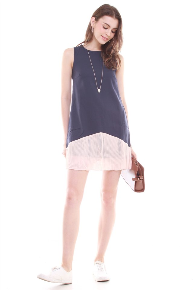 *BACK IN STOCK* Colourblock Pleated Pocket Trapeze Dress in Navy