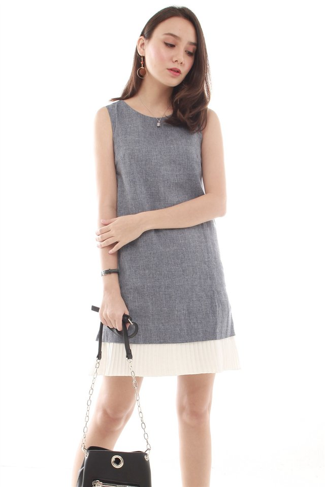 Sleeveless Pleated Hem Tweed Shift Dress in Blue Tweed