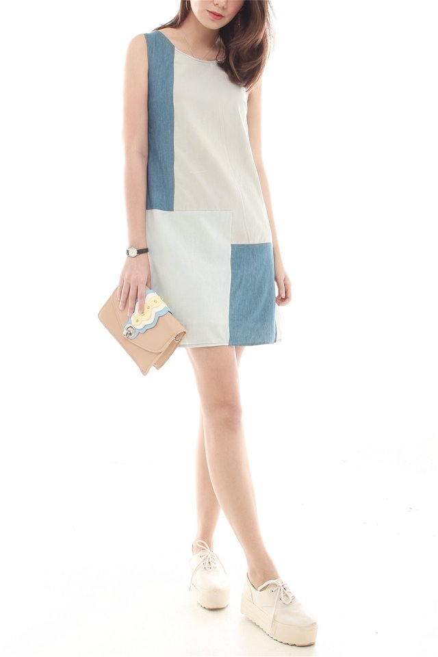 Denim Colourblocking Shift Dress in Light Wash