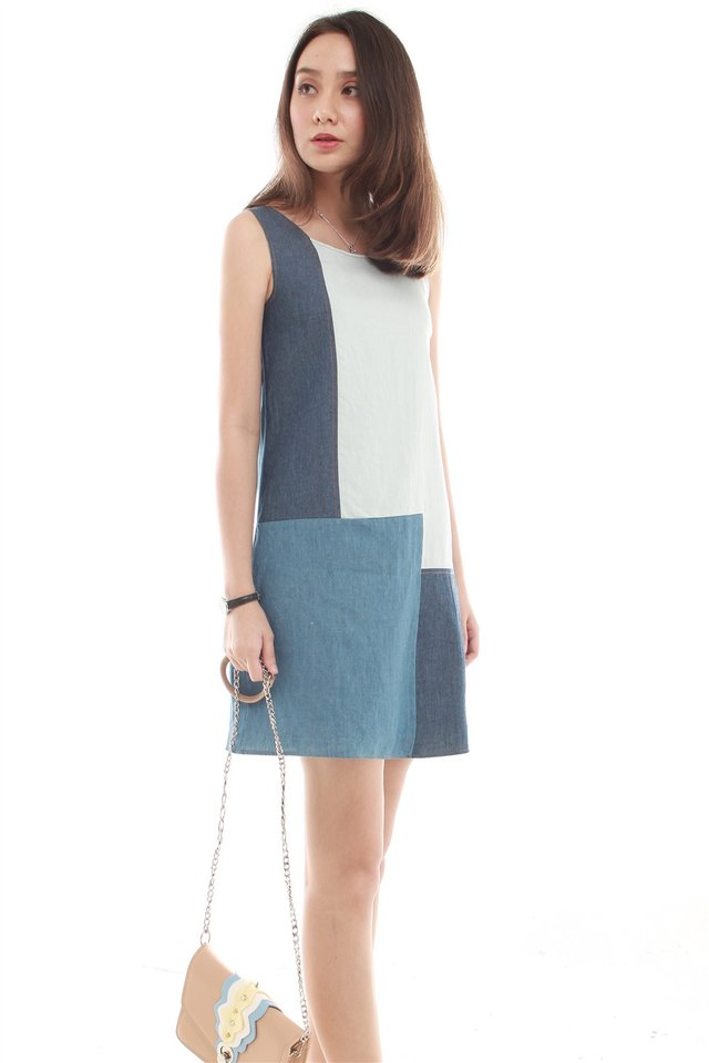 Denim Colourblocking Shift Dress in Mid Wash