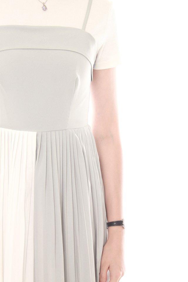 Double Tone Pleated Midi Dress in Mint