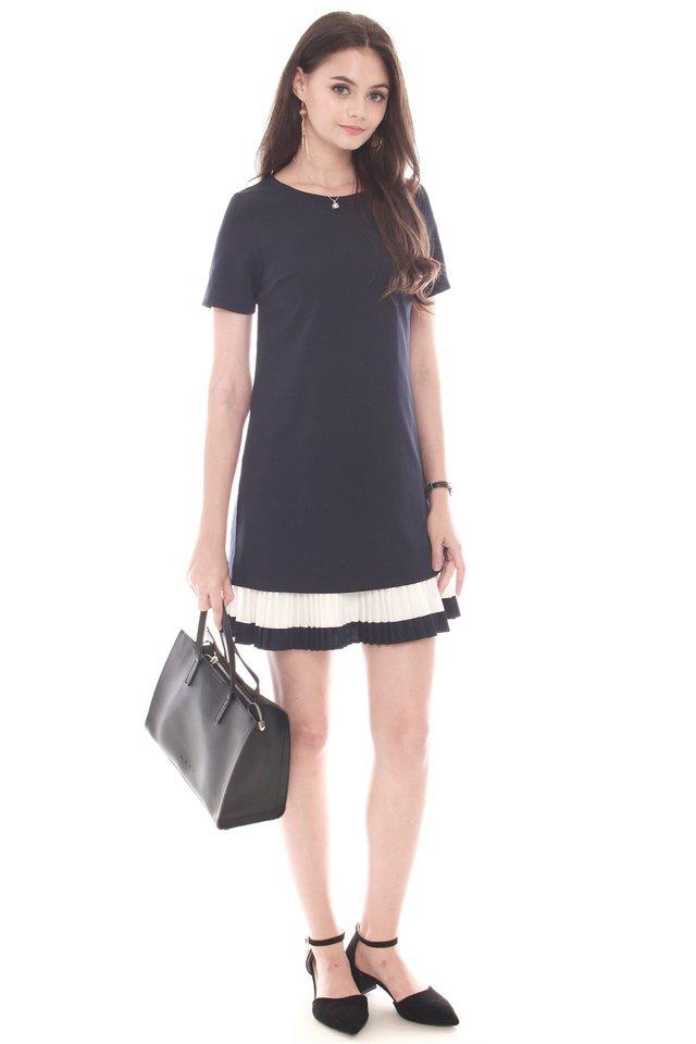 Sleeved Double Pleat Colourblock Shift Dress in Navy