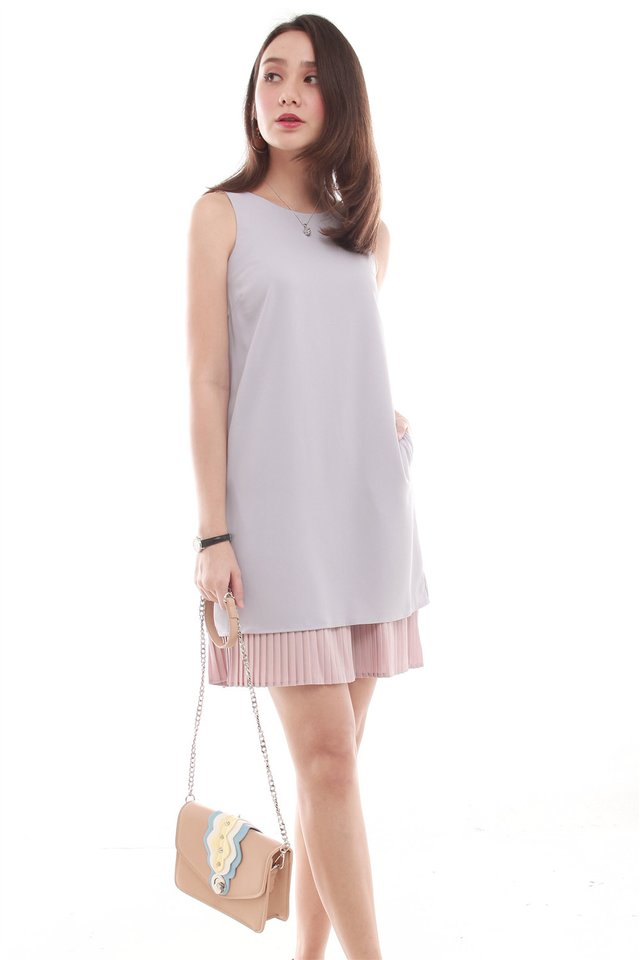 Layered Pleats Colourblocking Shift Dress in Dusty Grey