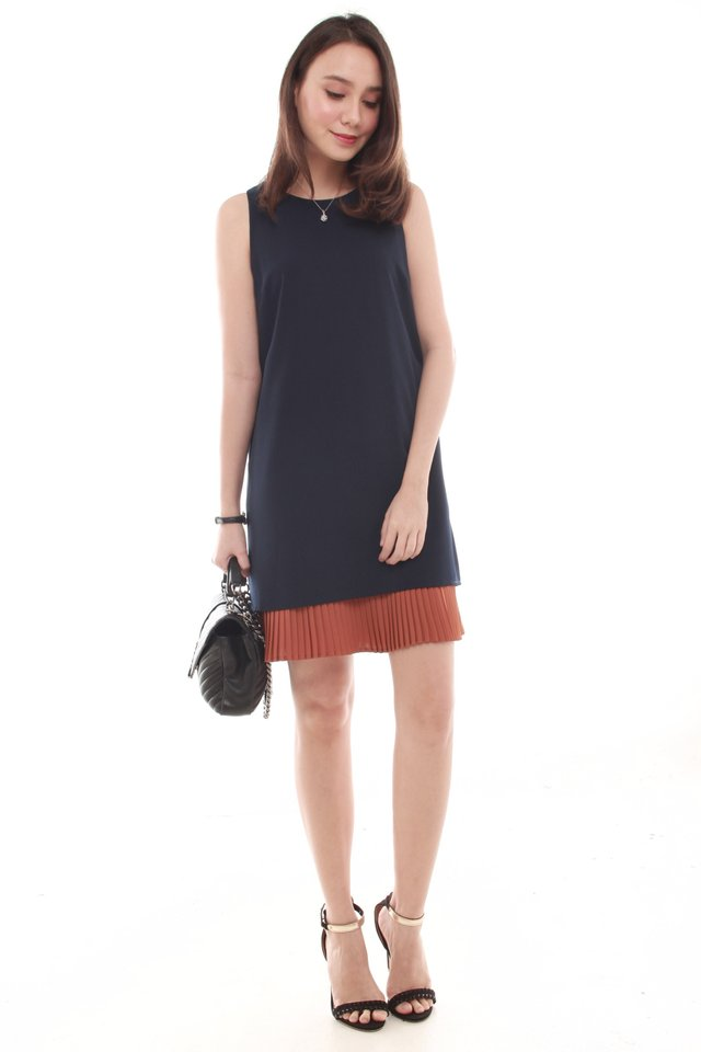 Layered Pleats Colourblocking Shift Dress in Navy