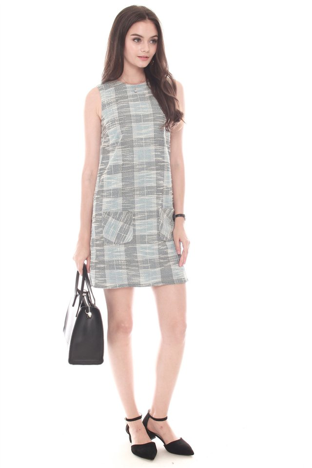 Double Pocket Tweed Textured Shift Dress
