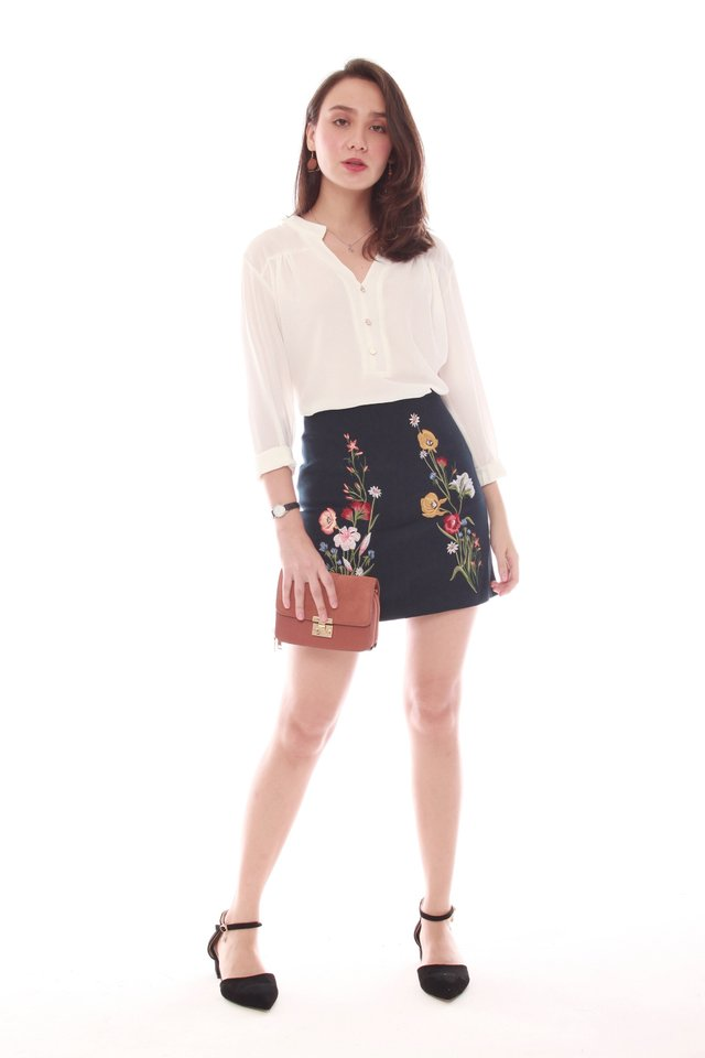 Coloured Embroidery Suede Skirt in Navy
