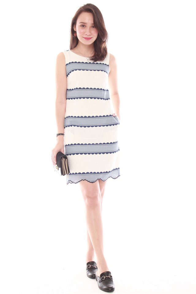 Scallop Wave Trims Shift Dress in Blue