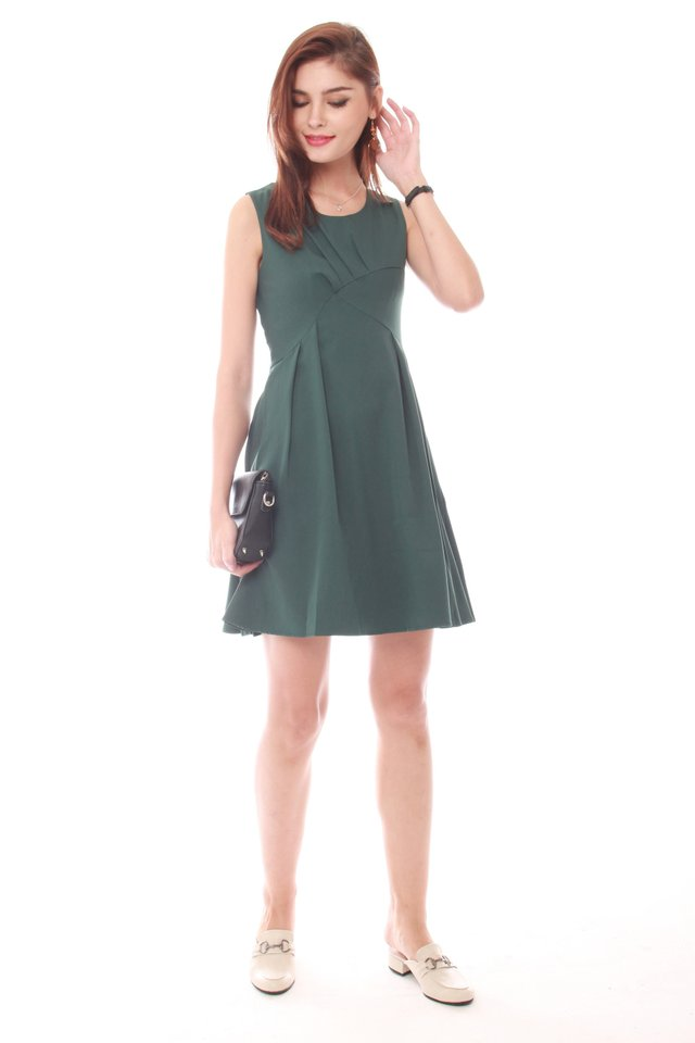 Curved Detail Flare Dress in Emerald