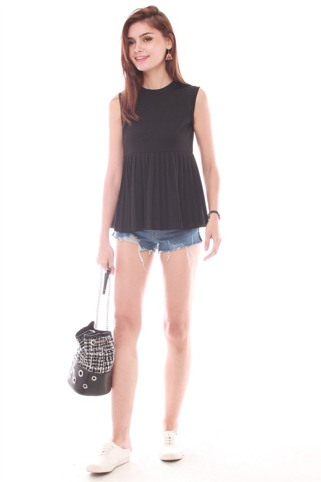 ACW Sleeveless Babydoll Knitted Top in Black