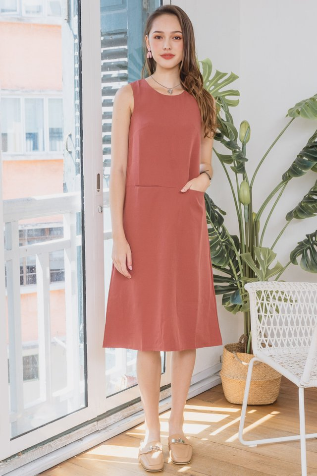 ACW Duo Pocket Midi Dress in Brick