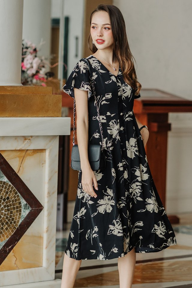 ACW Monochrome Floral Midi Dress in Black