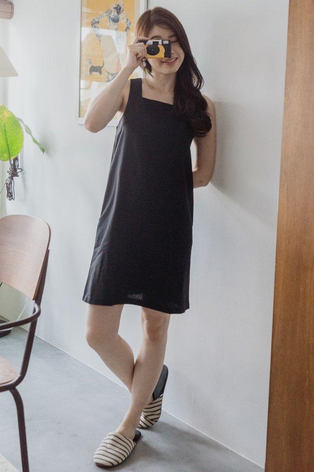 ACWxNatalie Linen Square Neck Shift Dress in Black