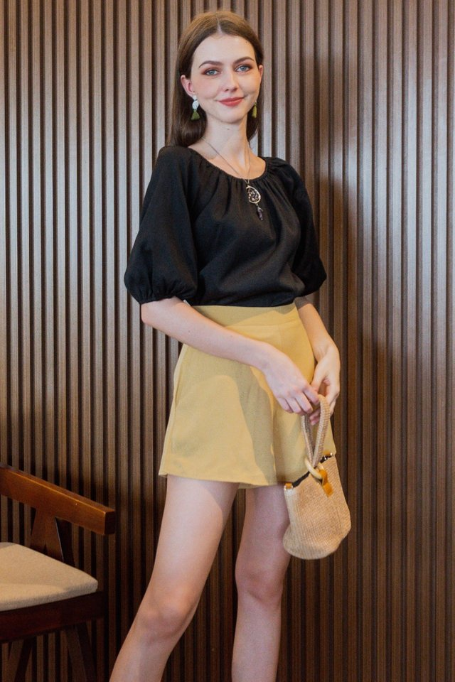 *BACK IN STOCK* Two Way Basic Balloon Sleeve Blouse in Black