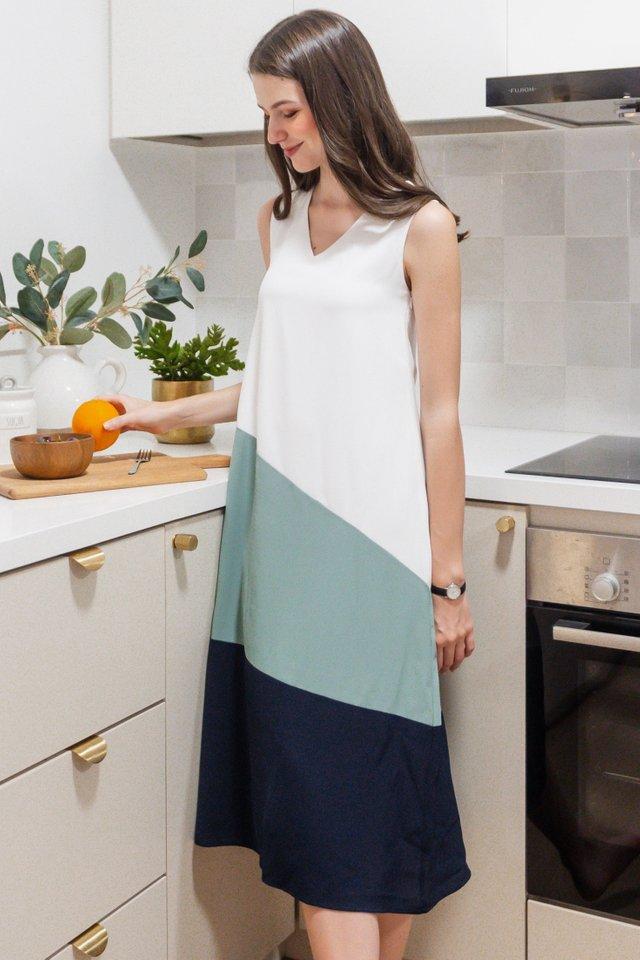 ACW Curve Colourblock Midi Dress in White